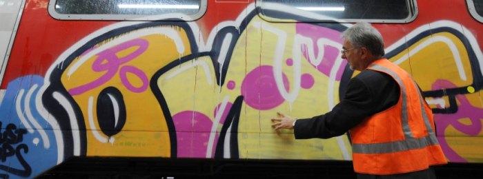 Graffito auf Bahn